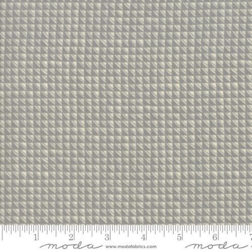 Moderne grijs geblokte quiltstof Aubade Song To Dawn Dusk Dawn 1424 16 van ontwerpster Janet Clare voor Moda. 100% katoen, 100% katoen 1.10m breed.