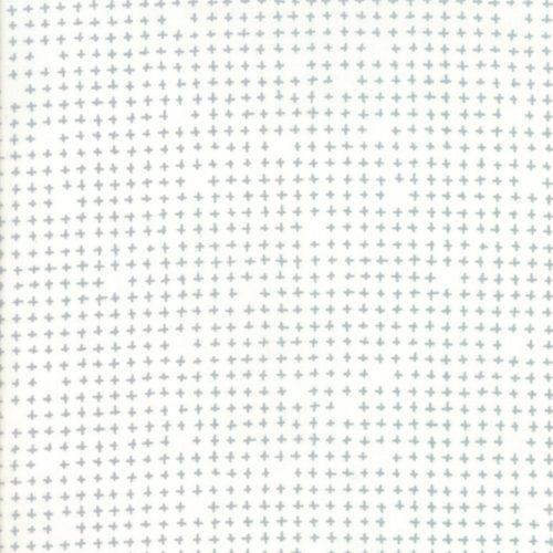 Modern Background More Paper White 1675 13 Grijs-witte achtergrond stof met stippen uit de Moda-collectie Modern Background, ontworpen door Zen Chic. Quiltstof, 100% katoen, 1.10m breed.
