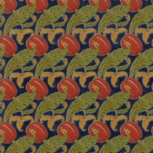 Voysey Indigo 7324 13 Moda is een reproductie van William Morris. quiltstof met natuurlijke motieven rode bloemen op blauwe achtergrond.