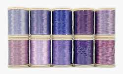 Wonderfil garens, paars. Assortiment van 10 klossen garens in diverse tinten paars voor patchen, quilten en borduren. Rayon, 40 wt, 150 m.