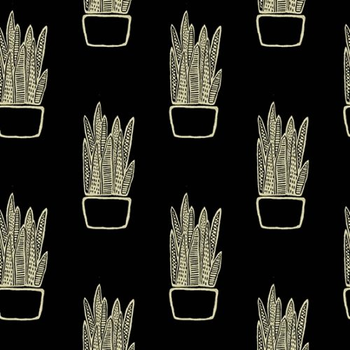 8647K Snake Plant on Tailored Cloth Tiger Plant Andover. Creme-wit motief op een zwarte achtergrond. Quiltstof, samenstelling linnen/katoen, 110 cm breed.