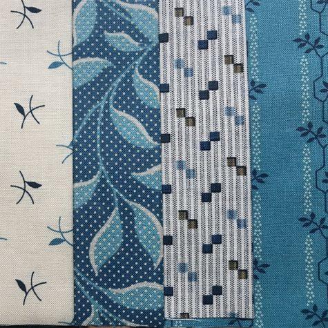 Pakket quilt stof Royal Blue, een moderne collectie quilt stoffen in blauw en grijs, van Laundry Basket (Edyta Sitar) voor Makower online bij quiltkompas