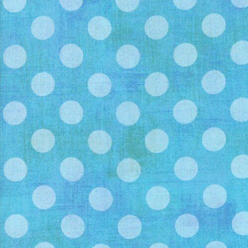 Basic Grey voor Moda Basic. Lichtblauwe stippen op groenblauwe ondergrond.