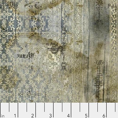 Moderne quiltstof van Tim Holz, Grijs-groen met mysterieus motief waarin ook letters zijn verwerkt. Online bij Quiltkompas.
